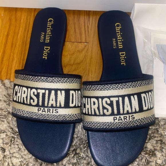 NEW - Fashion Sandals